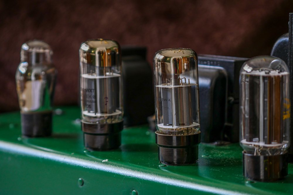 Why Tubes Sound Better? - Top 5 Simple Reasons