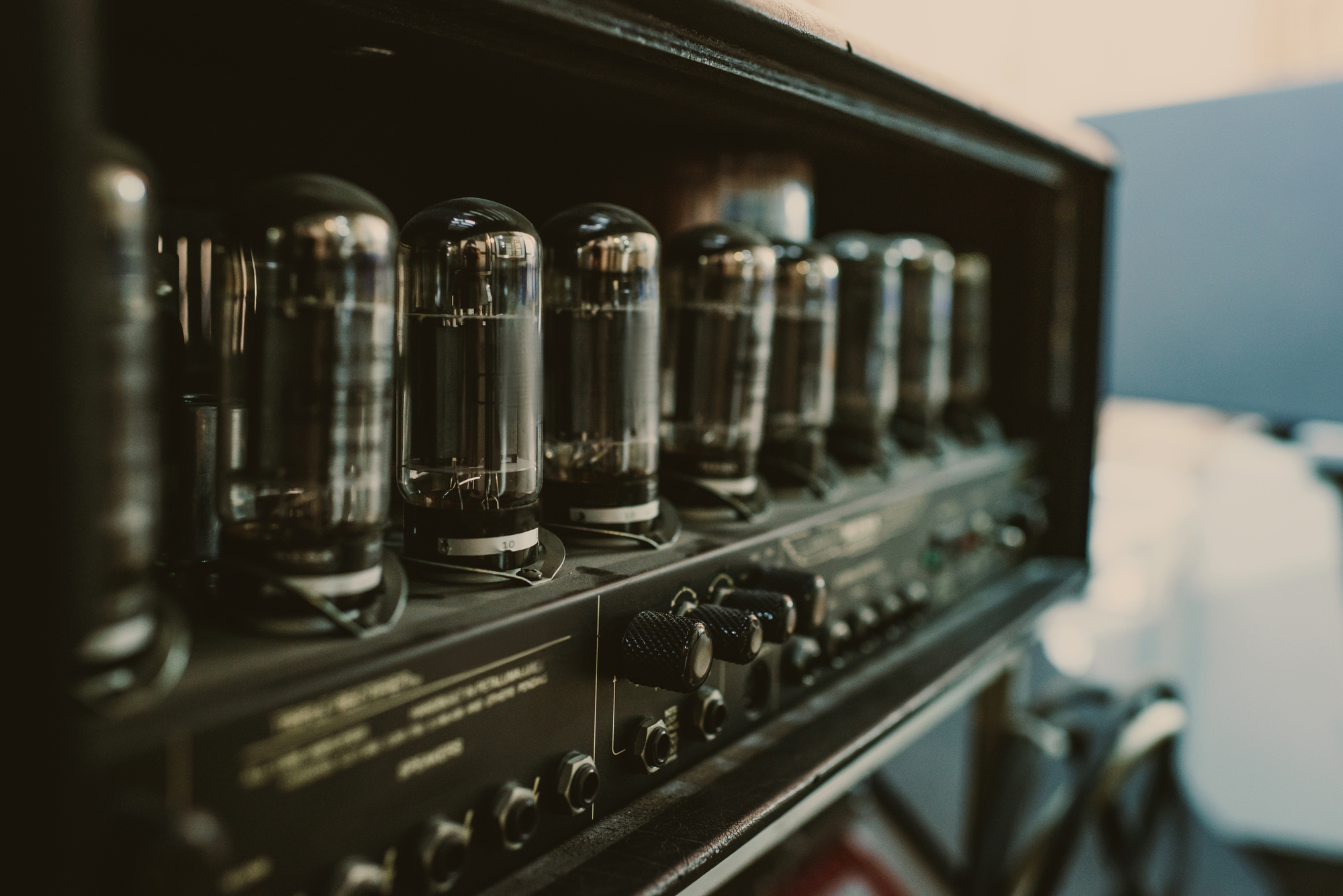 When Should You Replace Your Guitar Amp's Tubes?   Top Tube