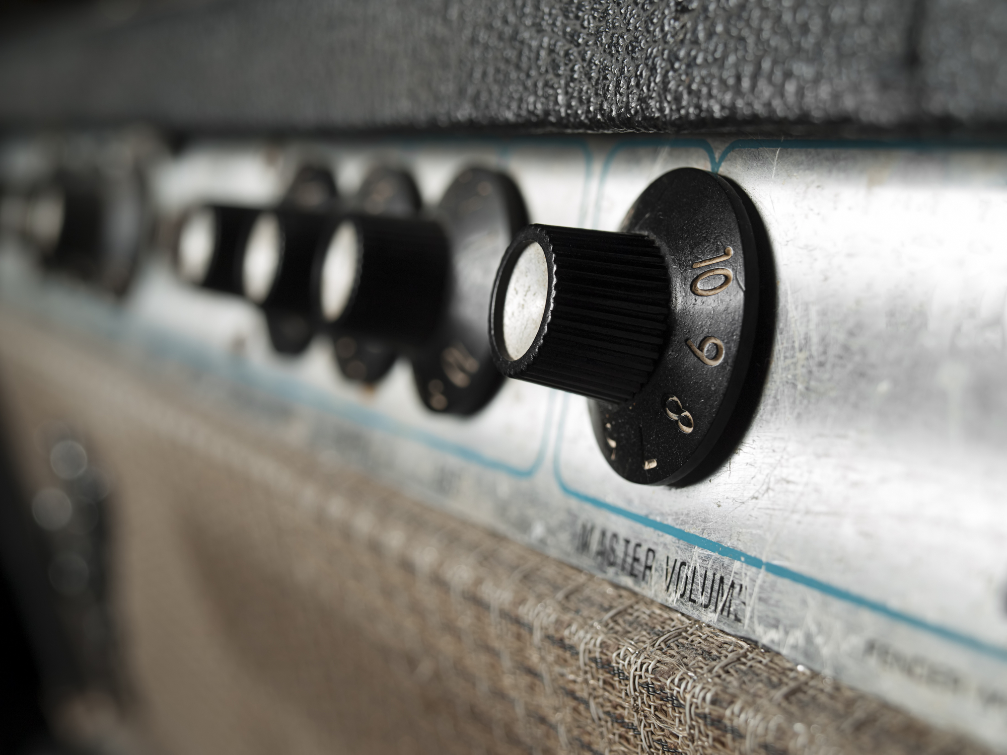 Fender Blues Junior III 15-Watt 12-Inch Guitar Combo Amp Reviewed!